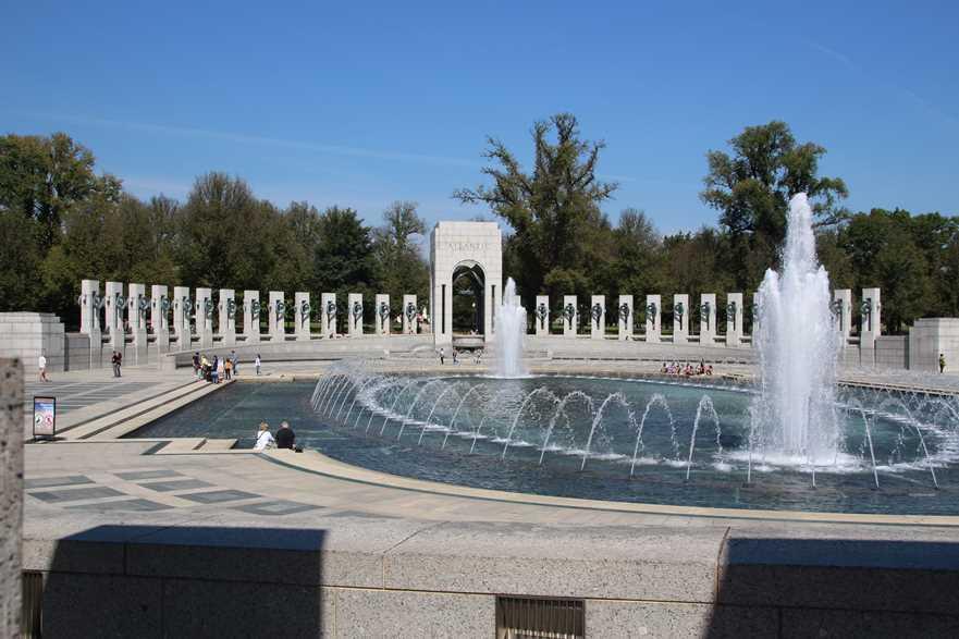 The World War 2 War Memorial in Washington DC