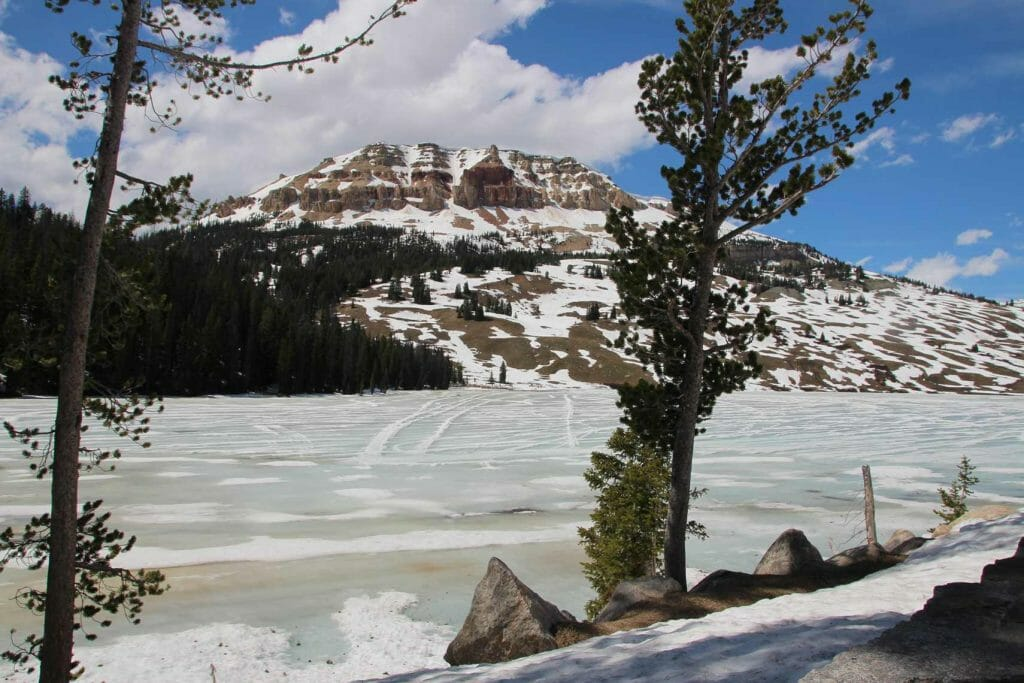 Frozen lake on Beartooth Highway