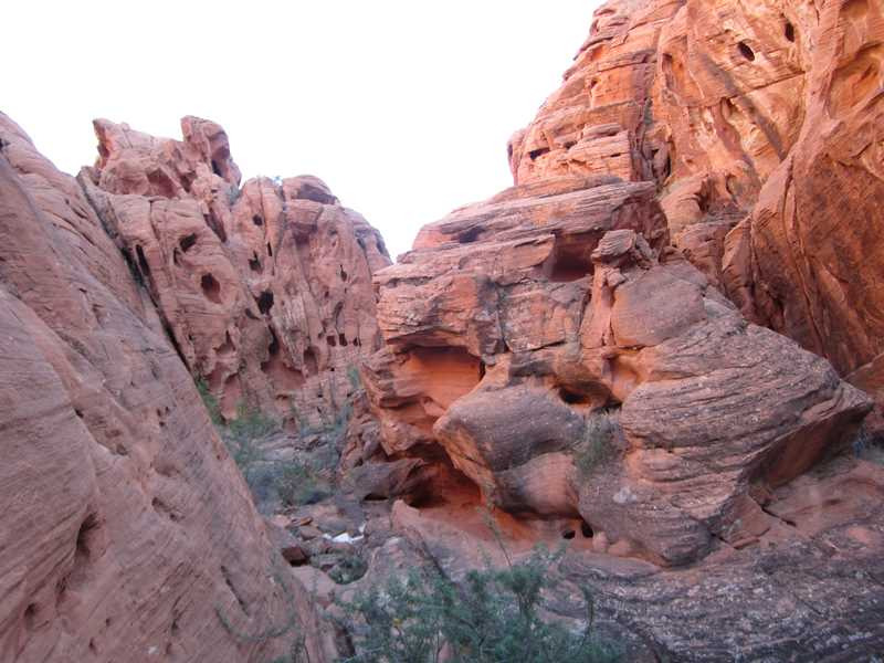 Hiking to Mouse's Tank in Valley of Fire